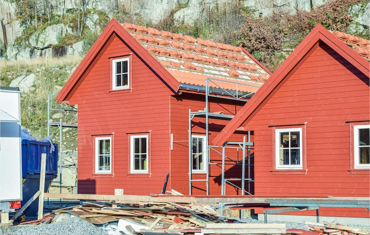 Holiday cottage with 2 bedrooms on 60m² in Lyngdal