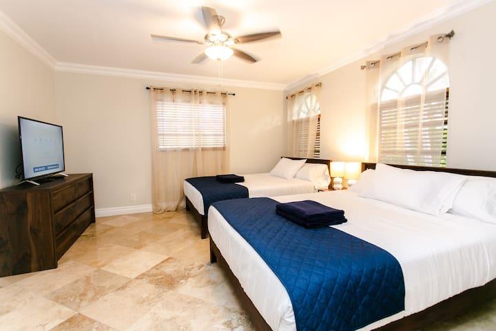 Bedroom 4 - 2 Queen Beds