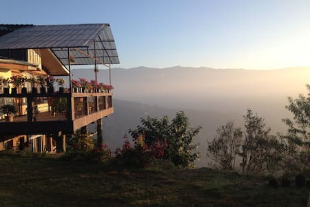 Birdsong Home, entire house - Mirik - บังกะโล