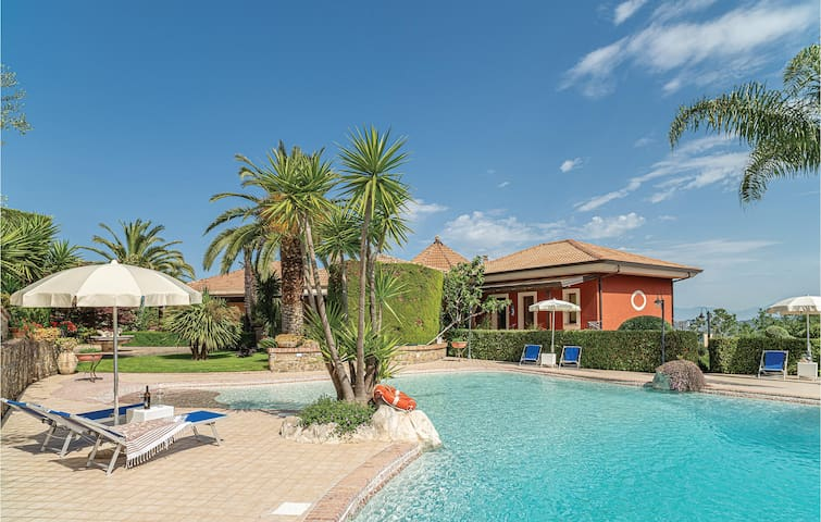 Amazing home in Laurena Cilento SA with WiFi and 1 Bedrooms