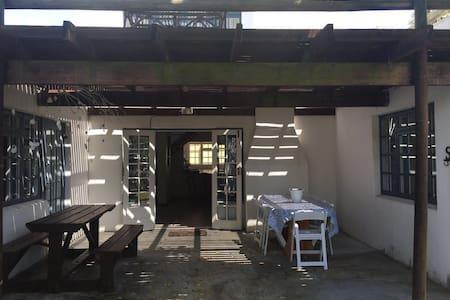 4 bedroom family house in Main Road - Arniston - Casa