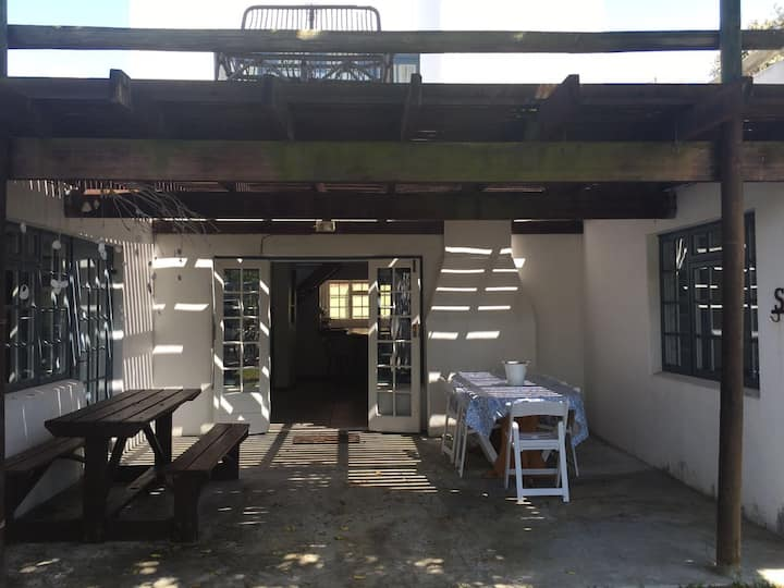 4 bedroom family house in Main Road