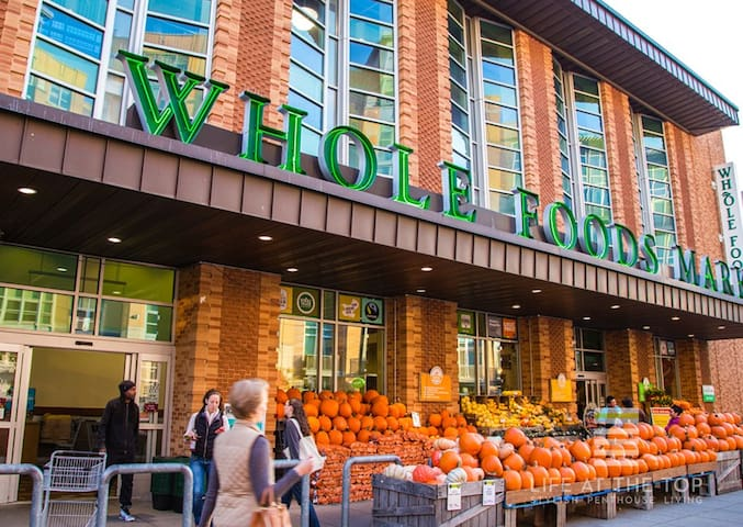 Get your fresh groceries at the neighborhood Whole Foods on 14th/P St, only three blocks away!  Also close by:  Trader Joe's (where I shop) Streets Market (great boutique grocery store) O St Market Giant (HUGE 72,000 sq ft traditional grocery store)
