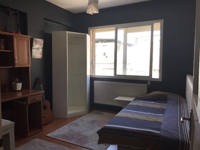 Private Room near Izmir University of Economics