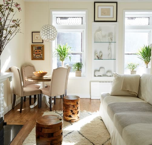 Bright, quiet, super comfy chic in Upper East Side