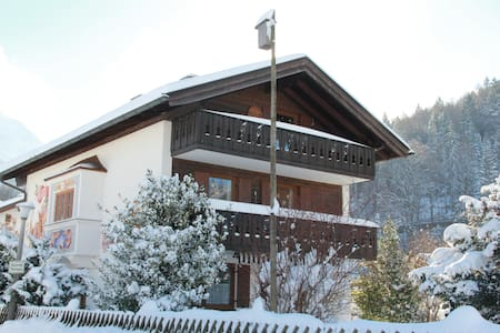 Fantastisches Einfamilienhaus mit Balkon u. Garten - Mittenwald