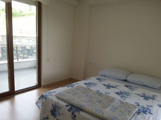 Ener 1 Teras Evlerde Havuzlu Müstakil Daire - Erdek - Apartment
