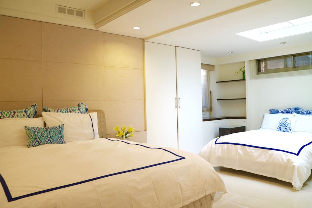 1st Master bedroom with ensuite bathroom, king size bed with brand new mattress
