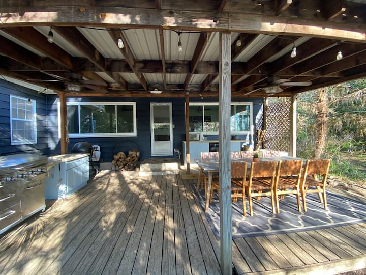 Fort Worth Hideaway! Private & Convenient! 1+ acre