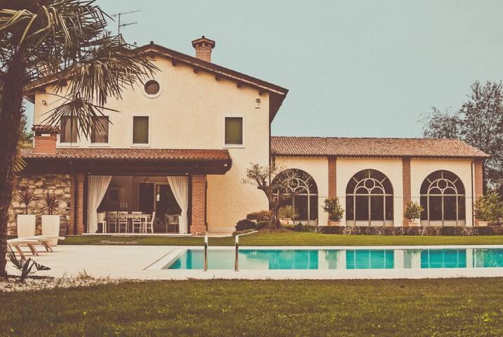 Villa delle Oche a Castelgomberto con piscina - R1