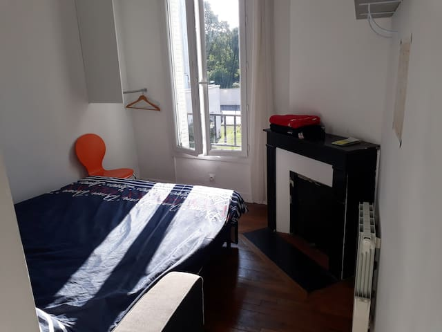 Chambre à louer dans appartement 3 pièces