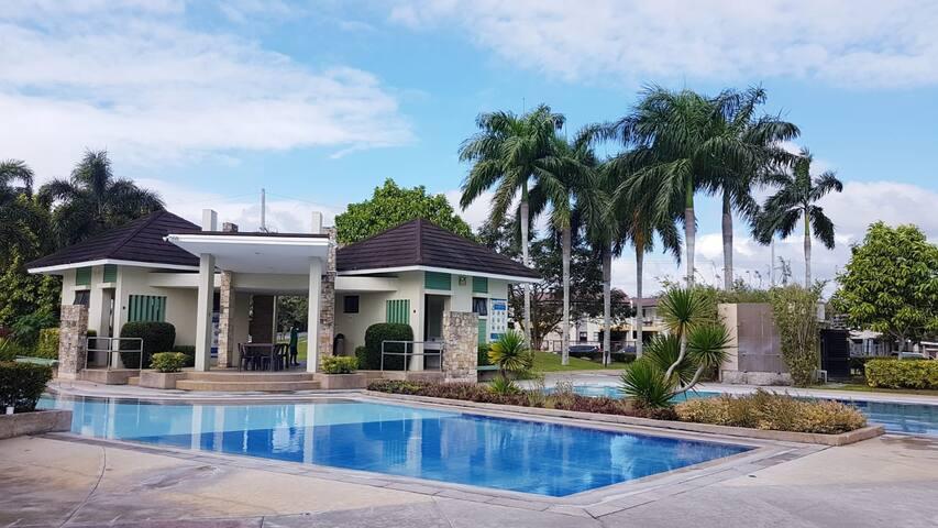 NUVALI House Sta. Rosa Near Tagaytay +Fully AirCon