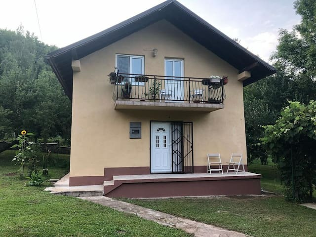 House in nature Sarajevo - relax&barbecue