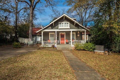 Charming & spacious home in historic neighborhood!