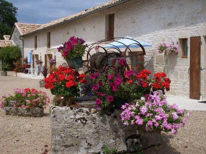 La Chouette:  4 bedroom gite in Poitou-Charentes