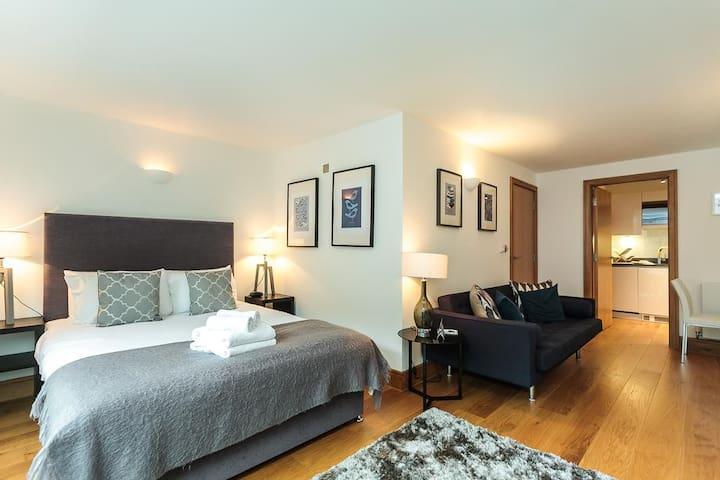 Westwood House Chelsea1 - London - Apartment
