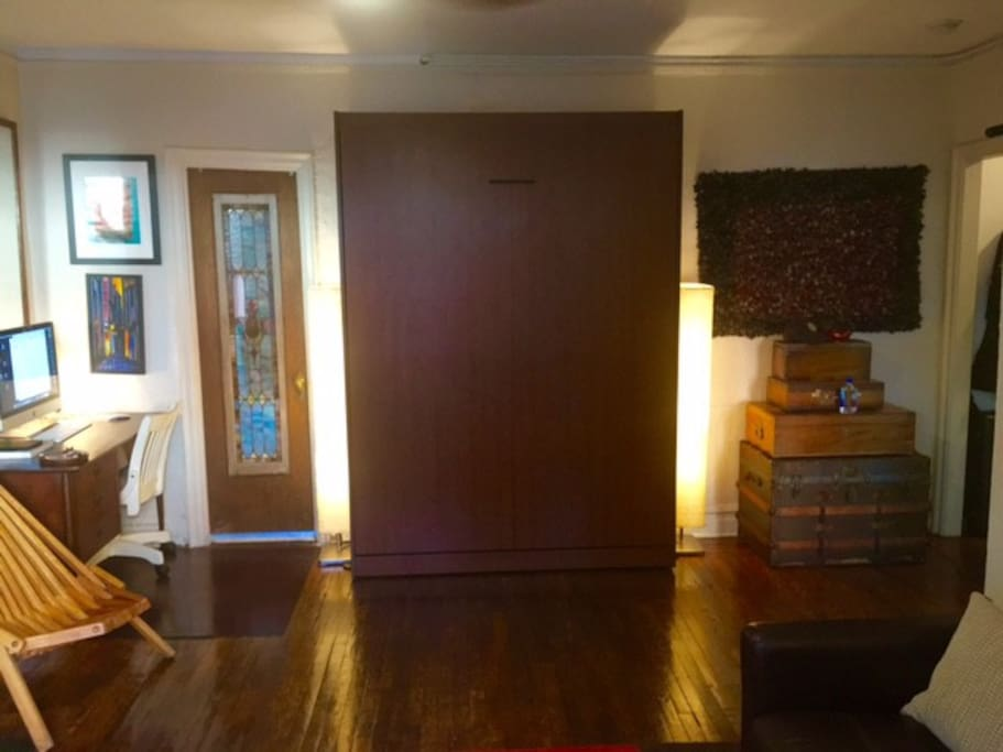 Queen sized easy open and close Murphy bed