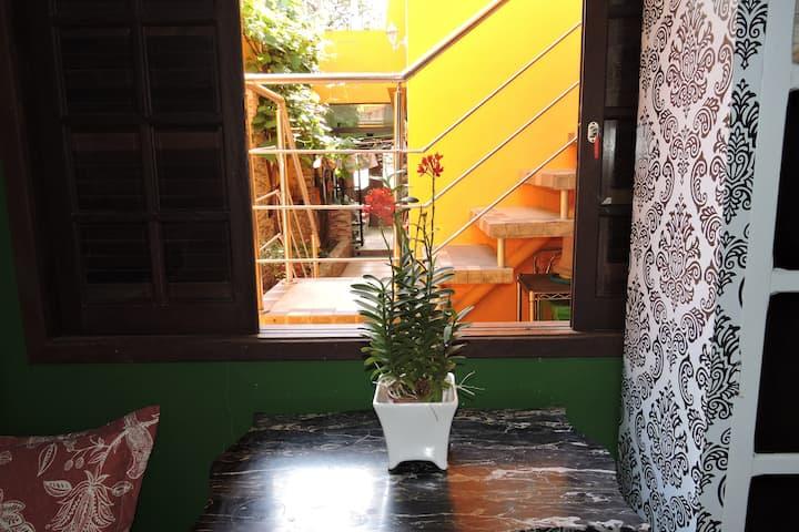 Conforto e Tranquilidade em Sobrado na Vila Romana