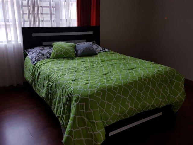 Habitacion en San jose - Tirrases - Casa