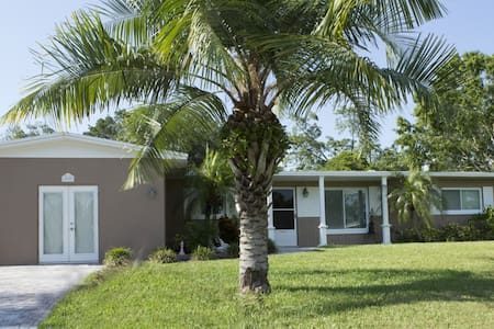 Your home-away-from-home Paradise - Largo