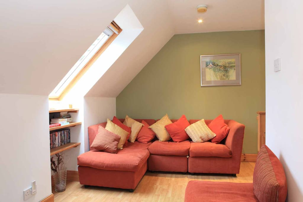 Cosy TV/reading room for upstairs room