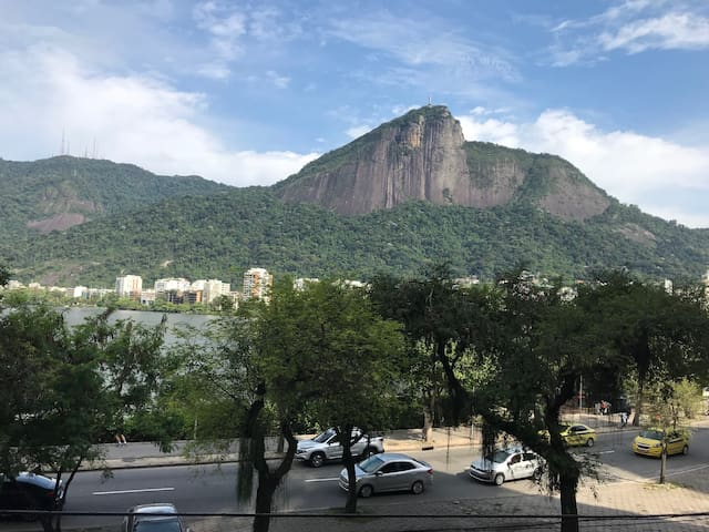 Lagoa Home with a View