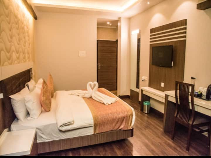 36 Avenue Club Room King Bed with City View King Bed with Breakfast at Varuna Vihar Varanasi