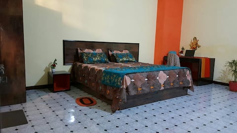 TEMPLES OF LOVE Homestay  100m.  Western Temples..