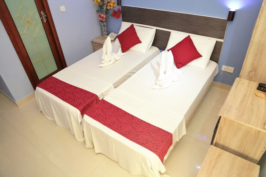 Elite beach inn hulhumale maldives bed breakfasts for for The family room hulhumale