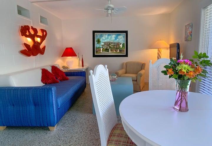 Lindy Room - Suite 105