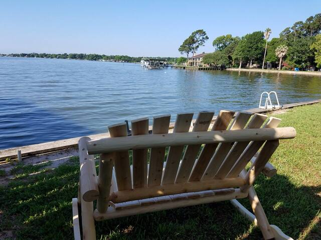 Couples retreat, Lake Livingston, vacation rental