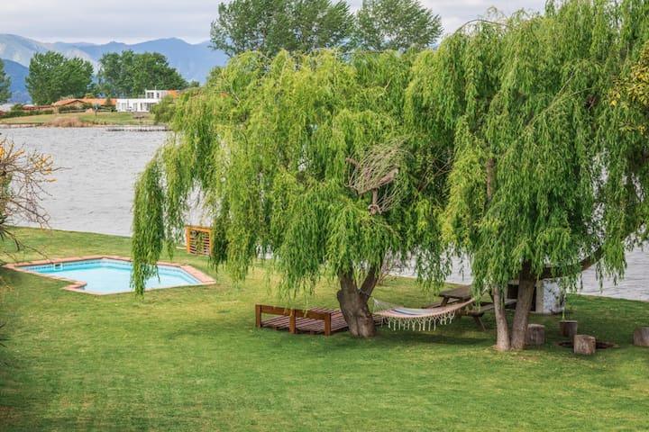 Casa orilla de lago Rapel, Ollague