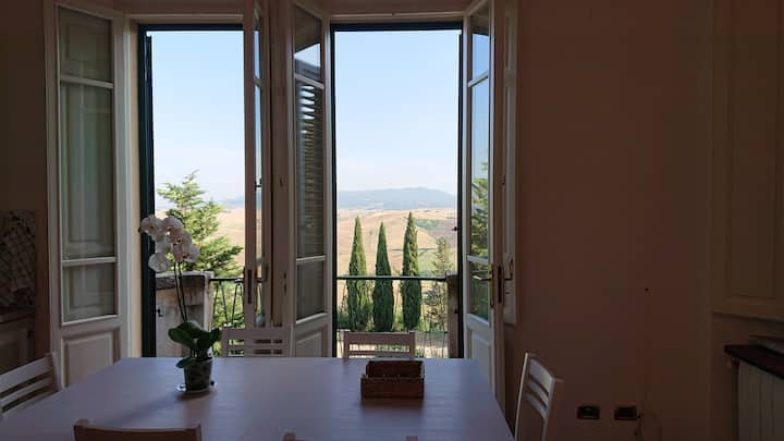 Villa Fiorentino - Apartment With View