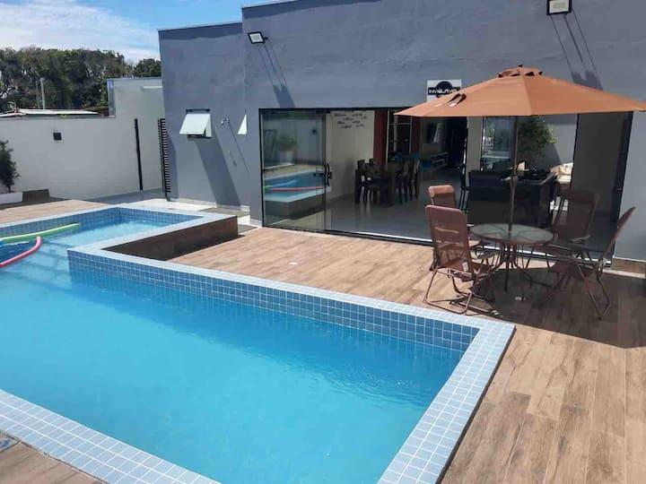 Linda Casa Térrea na Praia c/ piscina 200m do mar