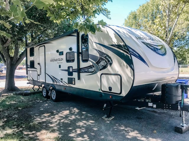 Camper on the Bosque! Minutes from Old Town