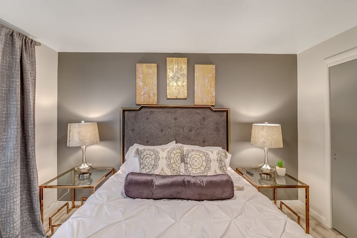 Sugarhouse, Skiers Delight, Plush Beds, Keurig
