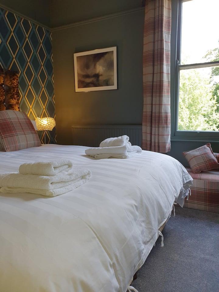 Aspen Room - Deluxe Double bedroom