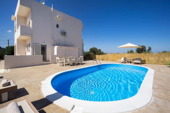 Villa Cacasa, 4 BD, 2 BA, private pool