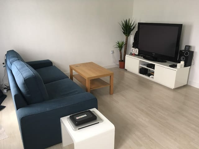 Modern 1 Bed Flat in Harlow (ideal for long-terms)