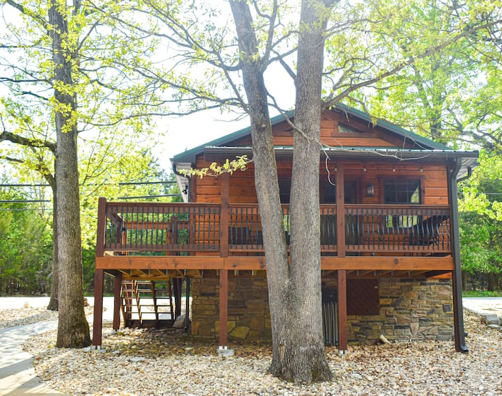 Social Distance in This NEW & Lavish 1BR Cabin