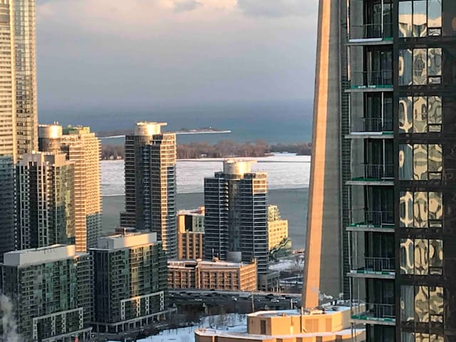 Brand New Condo in CORE downtown- Near Everything
