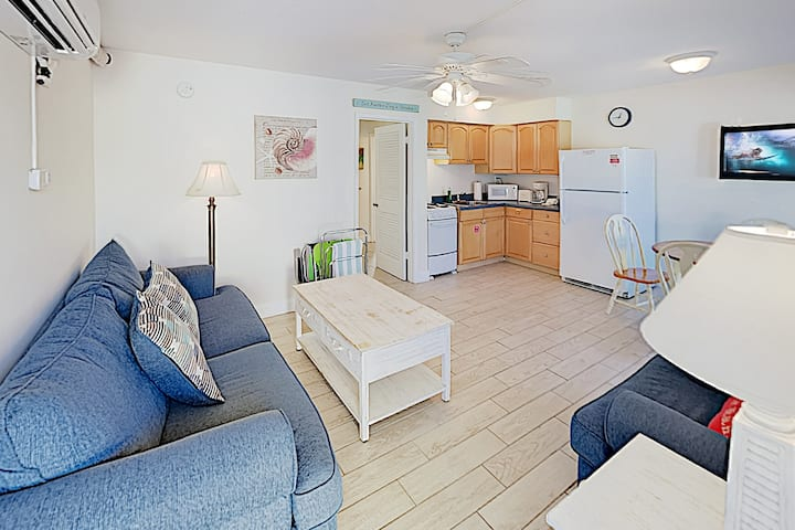 New Listing! Peaceful Retreat on Siesta Key Beach