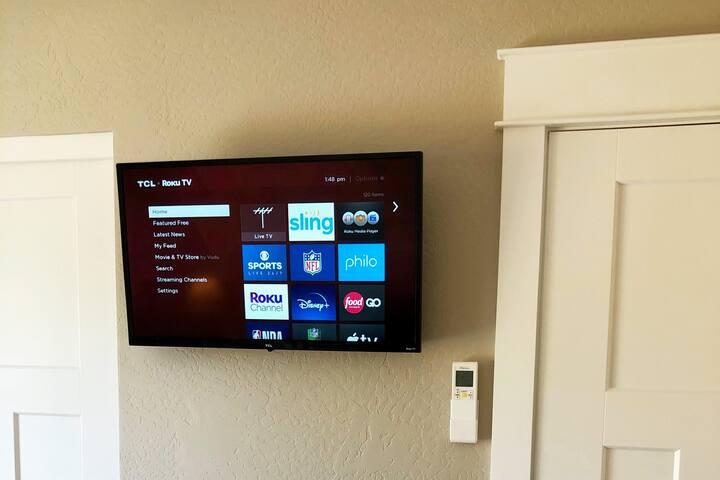 Bedroom TV - Lots of channels!