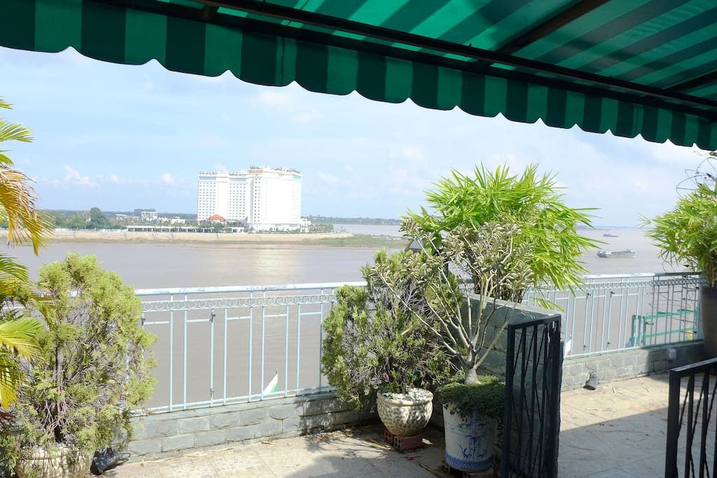 Luxury river view penthouse apartments for rent in phnom for 22 river terrace apartments