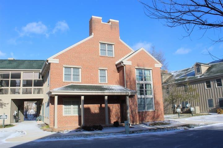 13841 Trailside Lane | Slope side townhouse!