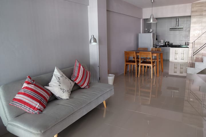 ESSENTIAL 2 Bedrooms at MRT Rama 9 - Bangkok - House