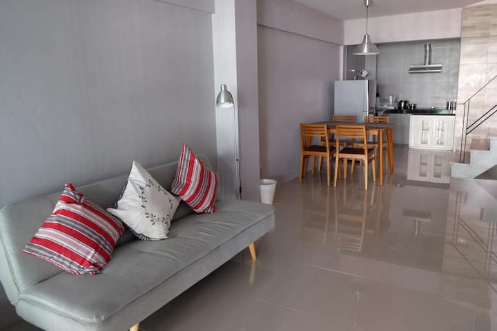 ESSENTIAL 2 Bedrooms at MRT Rama 9