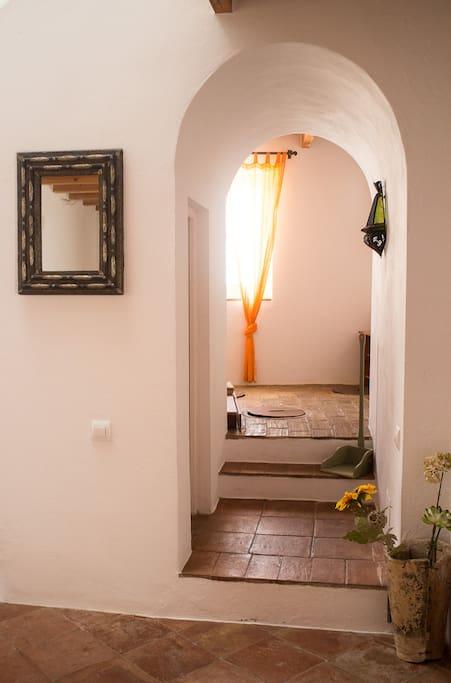 Planta baja  acceso habitación tinajas