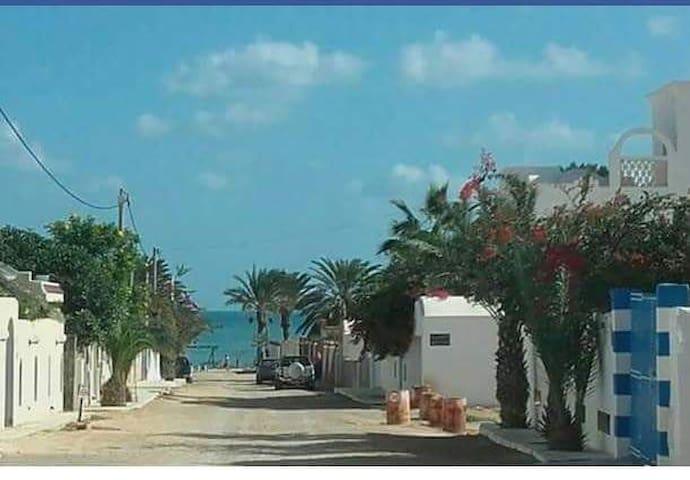 Joli appartement au bord de la mer Zarzis Sangho
