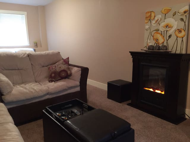 Family Home - Private Entrance - West Kelowna - Huis